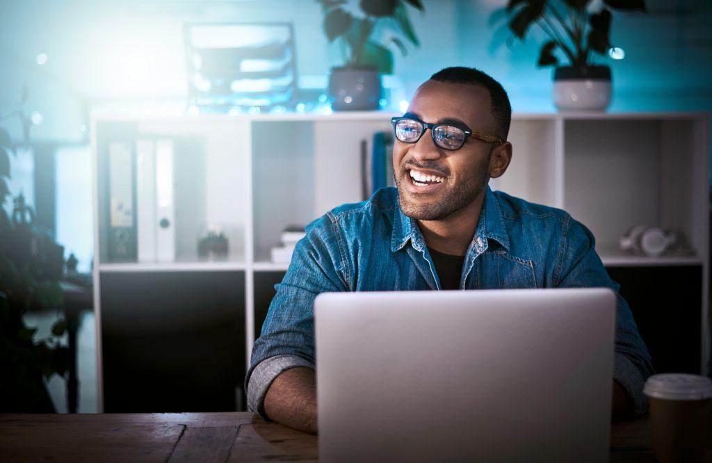 Locação de nobreaks: 7 razões que vão te convencer que alugar pode ser a melhor solução para você