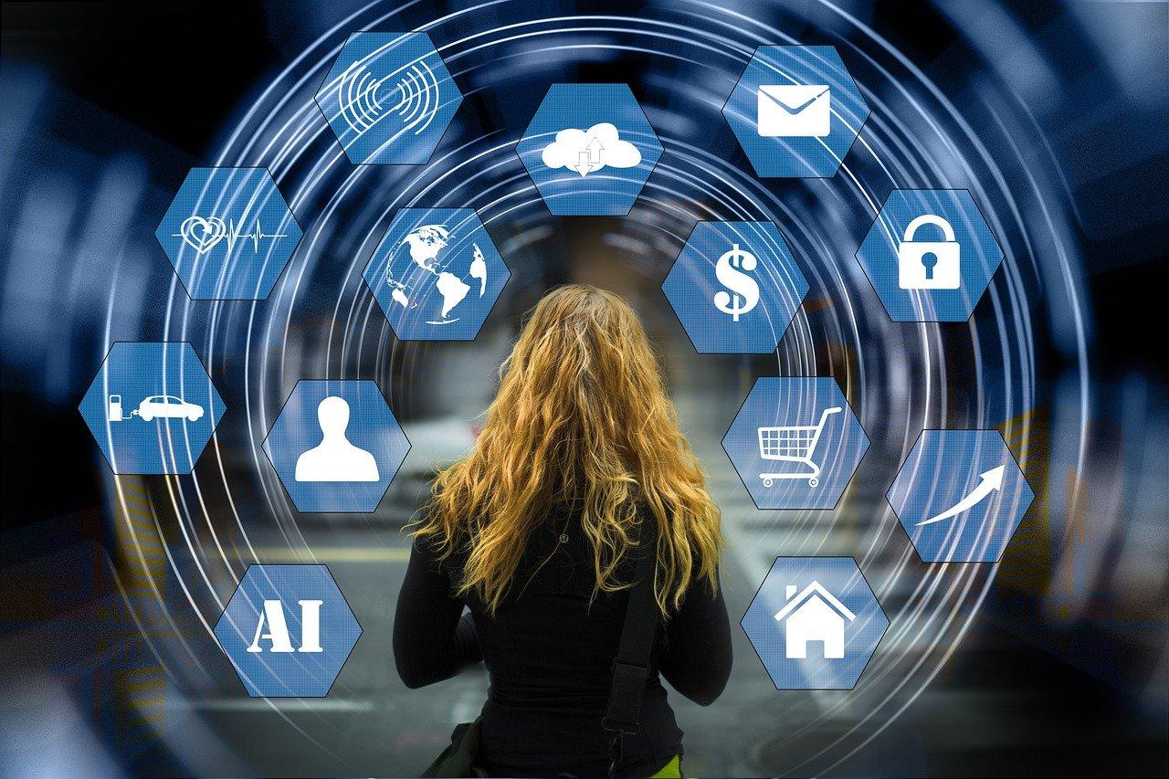 O termo internet das coisas também é referido como IoT (Internet of Things)